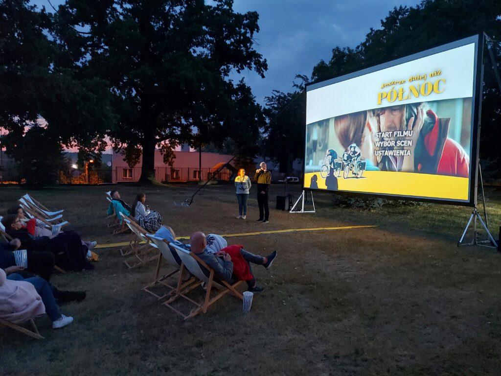 Kino letnie powitanie