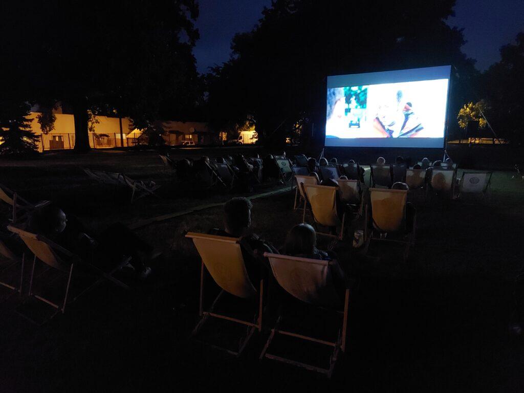 Kino letnie noc