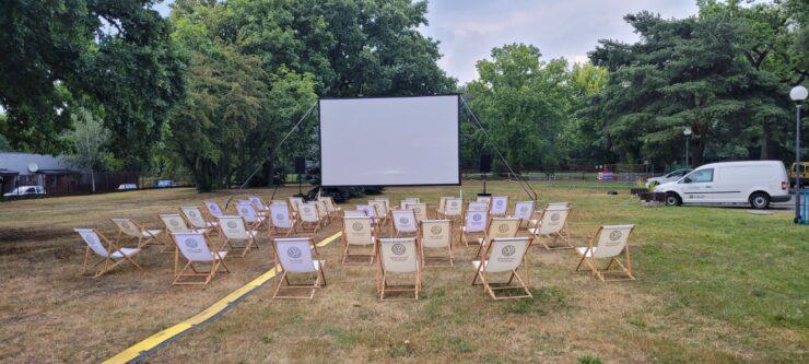 Kino letnie ekran